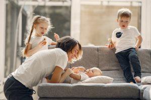 menjadi ibu rumah tangga atau bekerja pilih mana