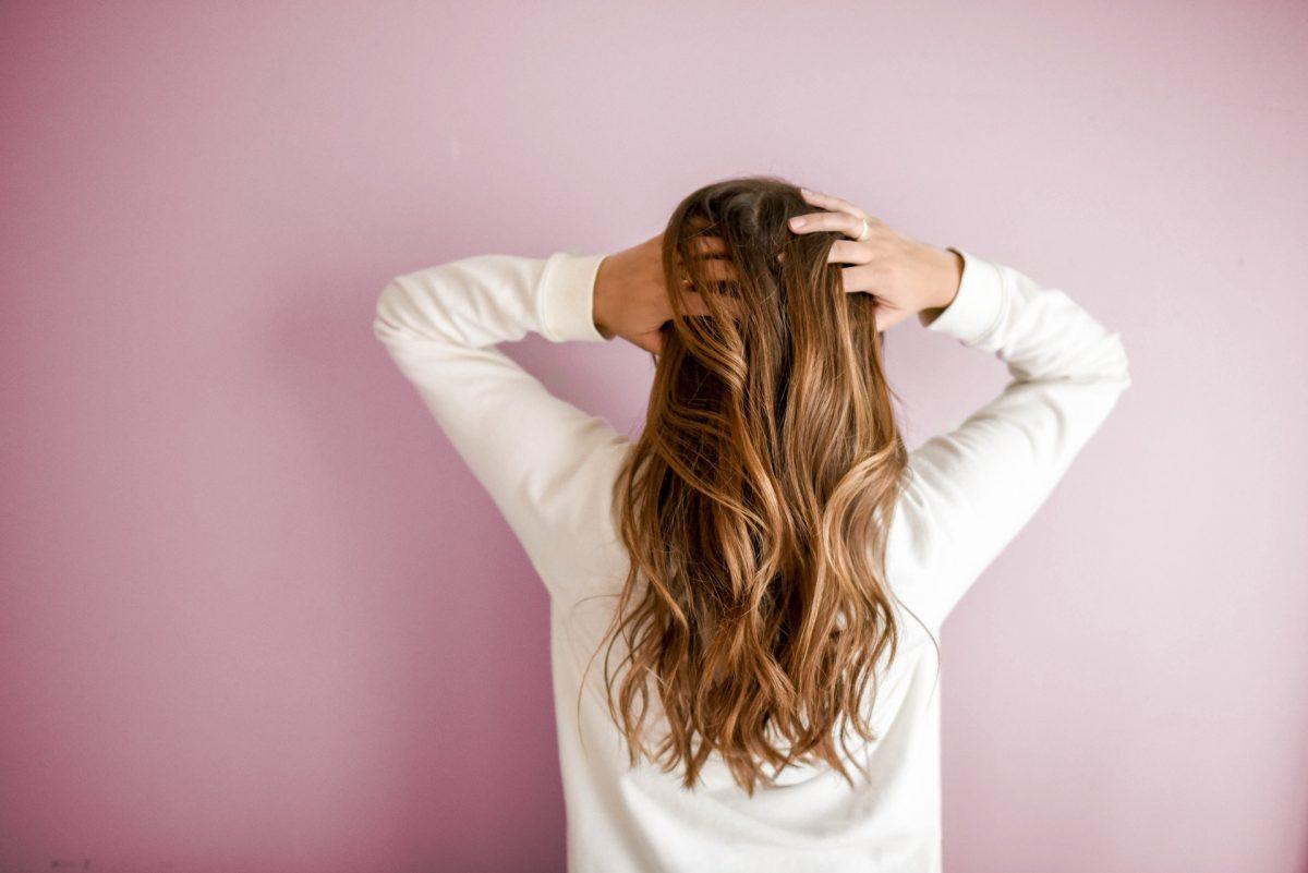 5 warna rambut untuk kulit gelap wanita