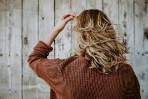 warna rambut untuk kulit gelap wanita indonesia